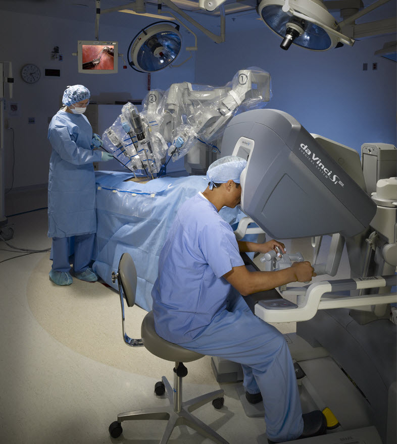 Two surgeons using the daVinci Robotic Surgery System
